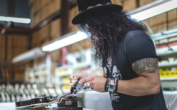 slash bancando luthier