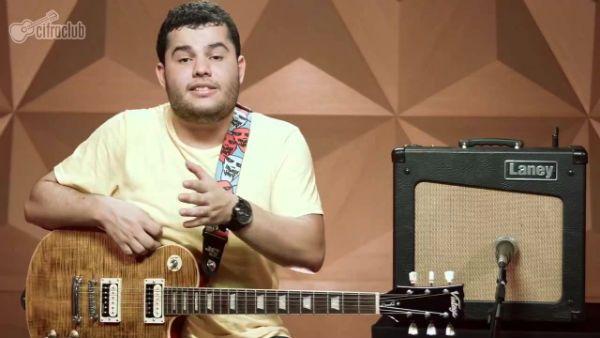 Vinícius Dias, músico e instrutor do Cifra Club