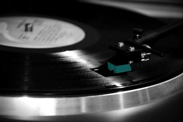 Toca disco toca um vinil