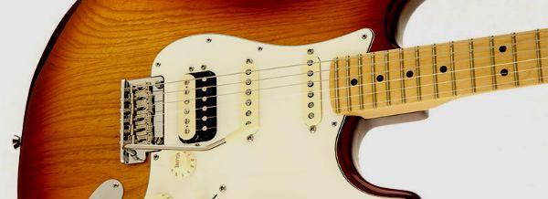 Guitarra estratocaster equipada com os dois tipos de captação