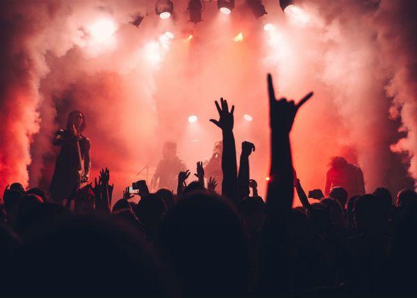 A violência não faz parte dos costumes da plateia de death metal formada por pessoas não