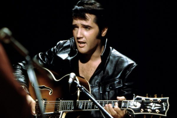 Elvis Presley levou rock pra Inglaterra
