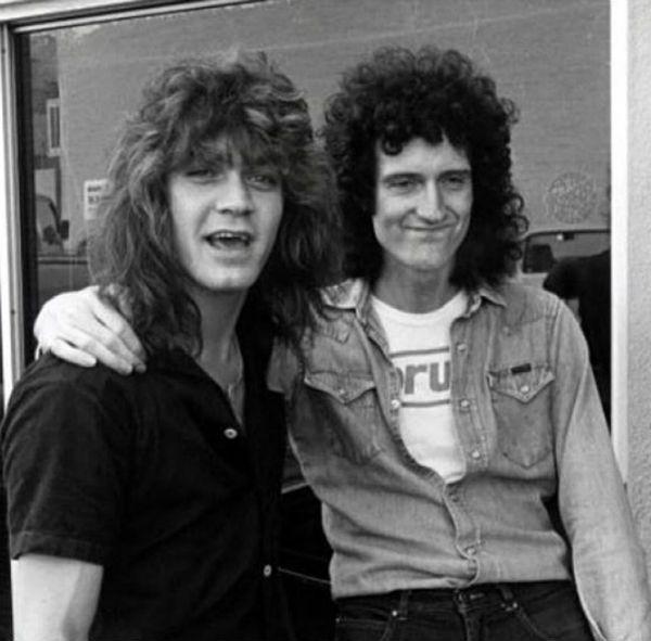Eddie Van Halen e Brian May são duas figuras icônicas da música popular do século XX