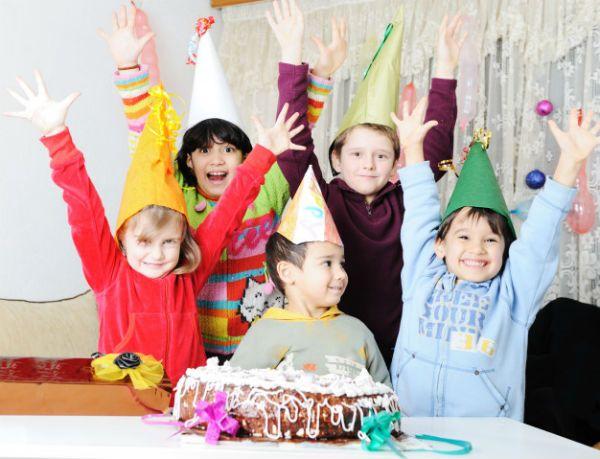 Parabéns a você é o momento mais esperado pela criançada em uma festa de aniversário