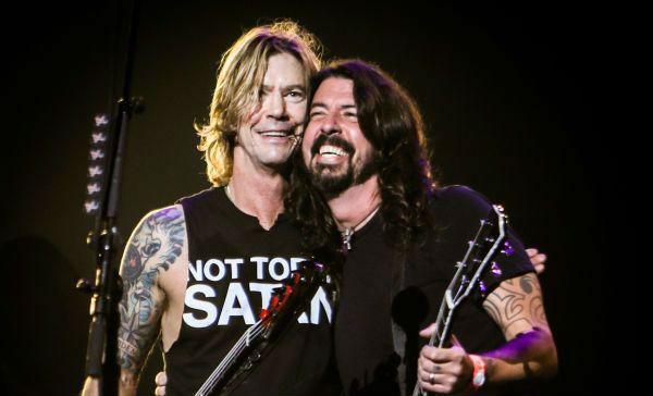 Duff McKagan e Dave Grohl são amigos