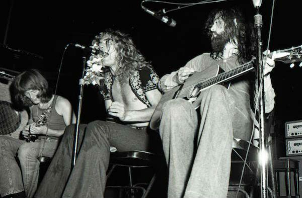 Led Zeppelin toca Stairway to Heaven