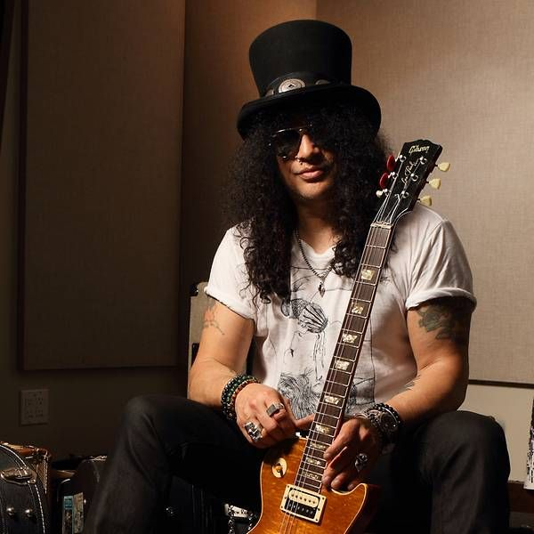 Slash, o guitarrista da cartola toca no Guns N' Roses