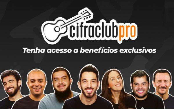 Instrutores de música do Cifra Club divulgam o Cifra Club Pro
