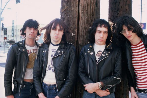 Ramones posam para foto na época do disco Brain Drain, 1989