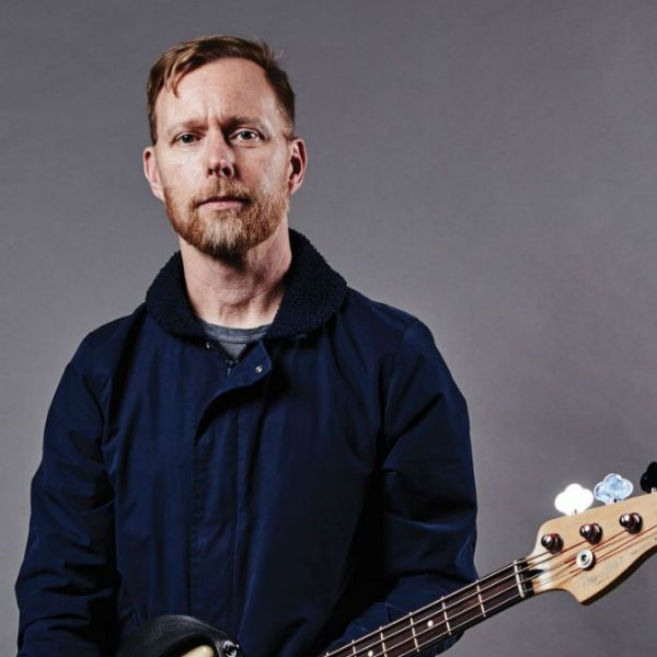 Nate Mendel, baixista da banda Foo Fighters