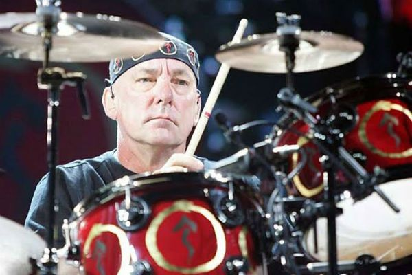 Neil Peart, baterista da banda de rock progressivo Rush