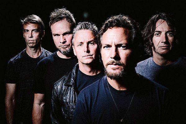 Membros do Pearl Jam divulgam novo clipe do songle Dance of the Clairvoyants