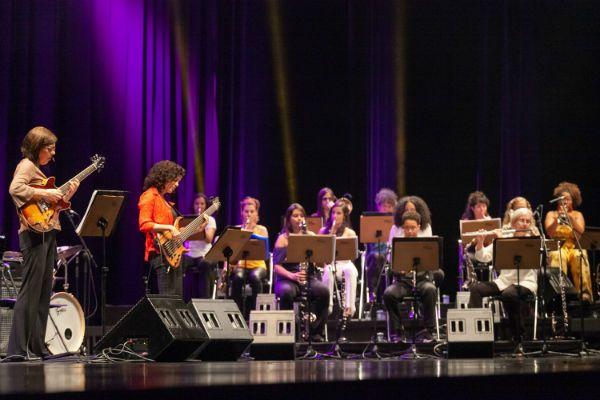 Jazzmin's Big Band é uma big band formada por 17 mulheres
