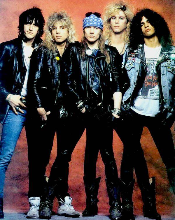 Izzy, Steven, Axl, Duff e Slash: a formação clássica do Guns N' Roses