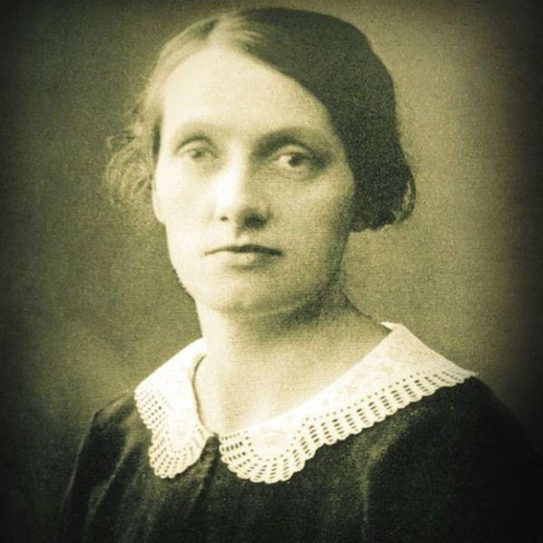 A missionária Frida Vingren escreveu vários hinos da Harpa Cristã