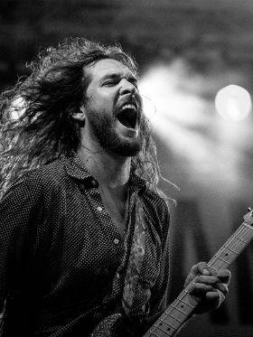 5 riffs indicados para quem é iniciante na guitarra ou violão