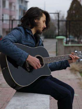 As 5 aulas de violão mais importantes para músicos iniciantes
