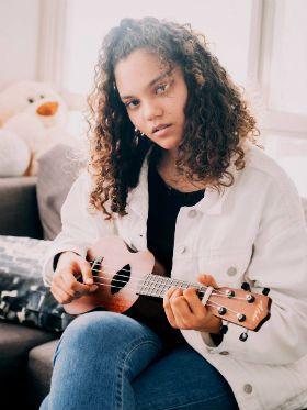 5 feras do ukulele que descobrimos no YouTube; vem buscar inspiração!