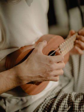 Iniciante no ukuele? Aprenda a evitar 5 erros que travam seu estudos