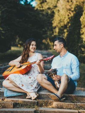 Top 10: aprenda a tocar as melhores músicas que falam de amor