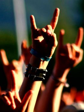 Dia Mundial do Rock: 5 clássicos em violão fingerstyle para celebrar