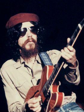 As 10 melhores músicas fáceis de Raul Seixas para você tocar hoje