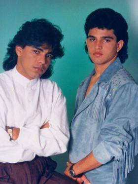 Zezé e Luciano: só as melhores músicas antigas pra ouvir e tocar