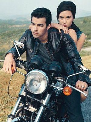 "Demi Lovato comenta declarações de Joe Jonas: ""te amo, irmão"""