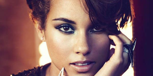 """Alicia Keys divulga faixa inédita; ouça """"Power"""""""