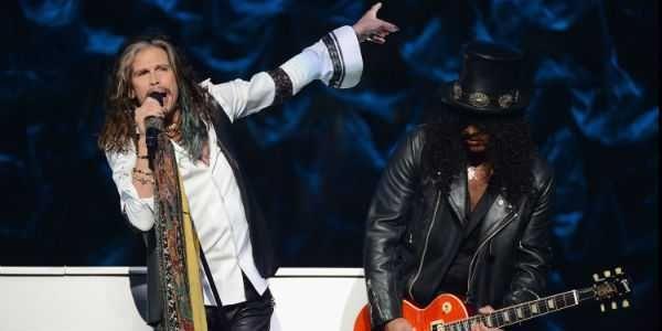 Vídeo: Dave Grohl e Slash fazem um som com vocal do Aerosmith