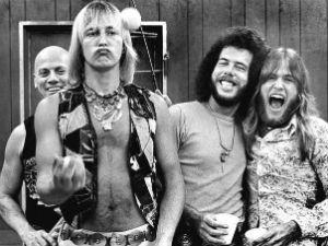 "Led Zeppelin: banda é processada por plágio em ""Stairway To Heaven"""