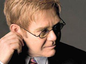 Elton John será uma das atrações do show beneficente