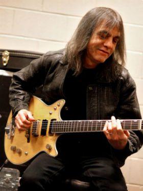 Gretsch lança modelo de guitarra personalizado de Malcom Young