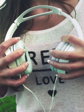 Ciência: ouvir música favorita aumenta níveis de dopamina no cérebro