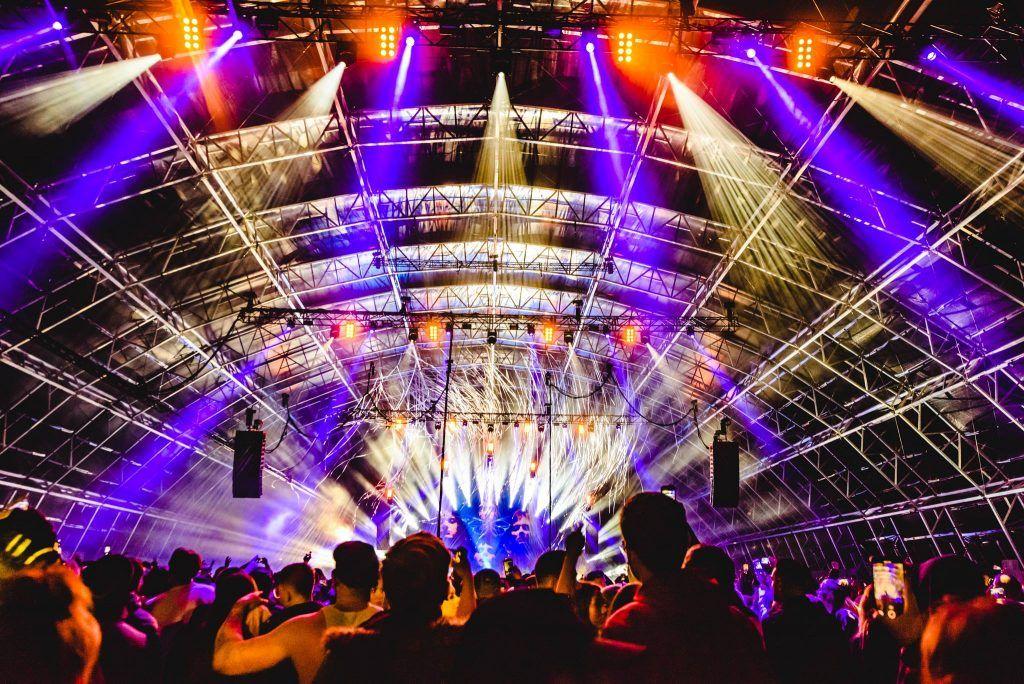 Palco do festival de música eletrônica Creamfields.