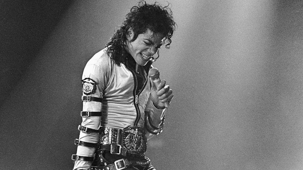 Cantor Michael Jackson.