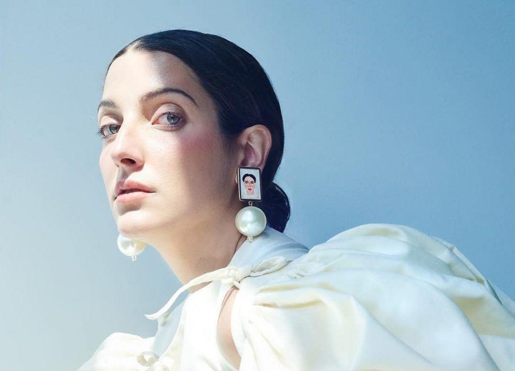 Clarice Falcão, cantora Indie