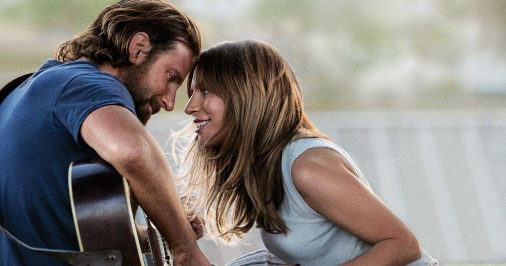 """Lady Gaga e Bradley Cooper na capa do filme """"Nasce Uma Estrela"""""""