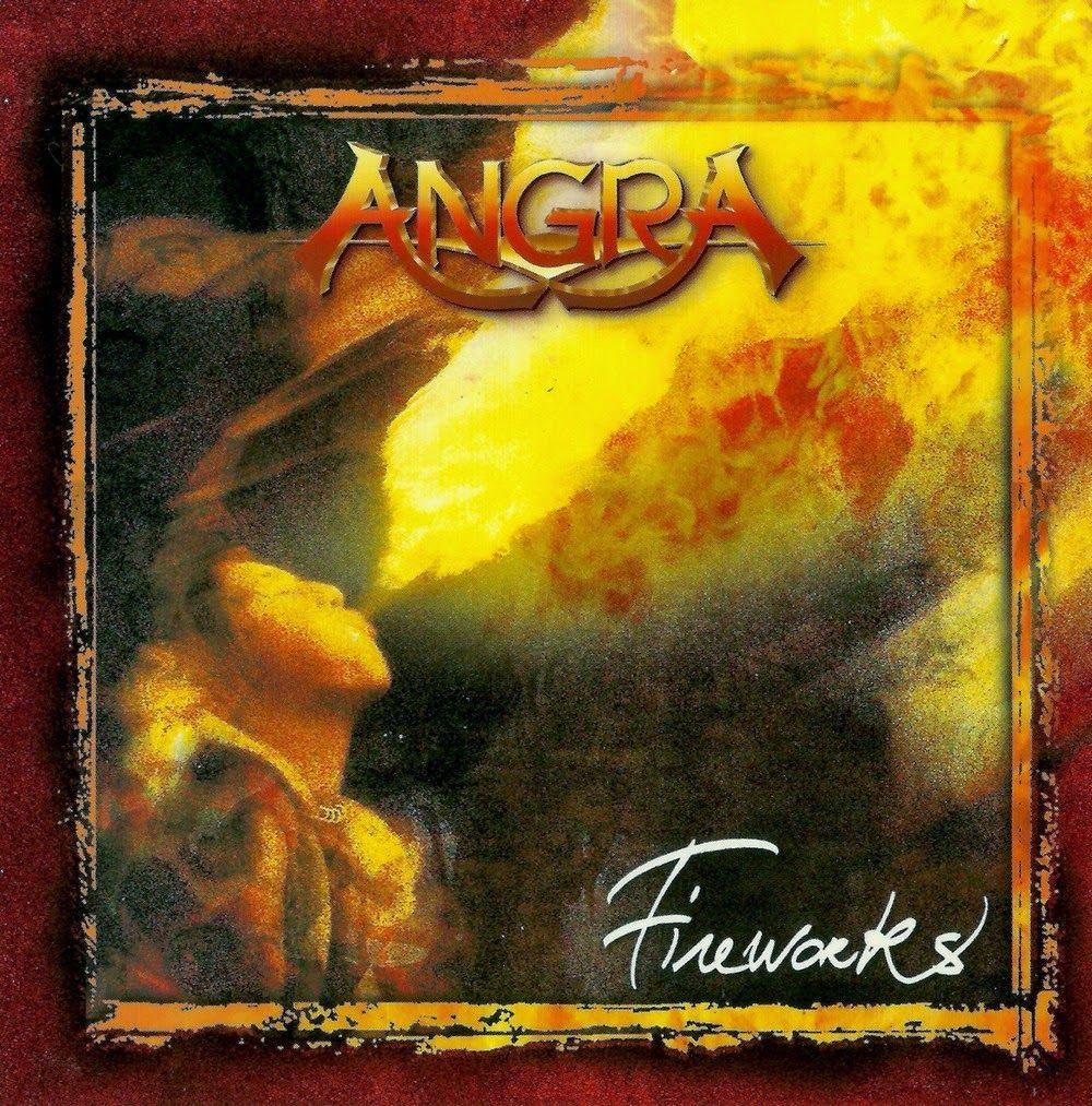 Capa do álbum Fireworks da banda Angra