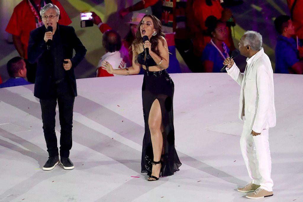 Caetano Veloso, Anitta e Gilberto Gil na abertura dos Jogos Olímpicos de 2016