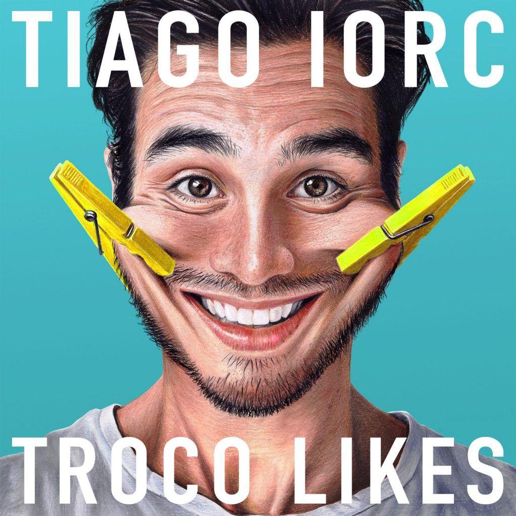 Capa do álbum Troco Likes, de Tiago Iorc