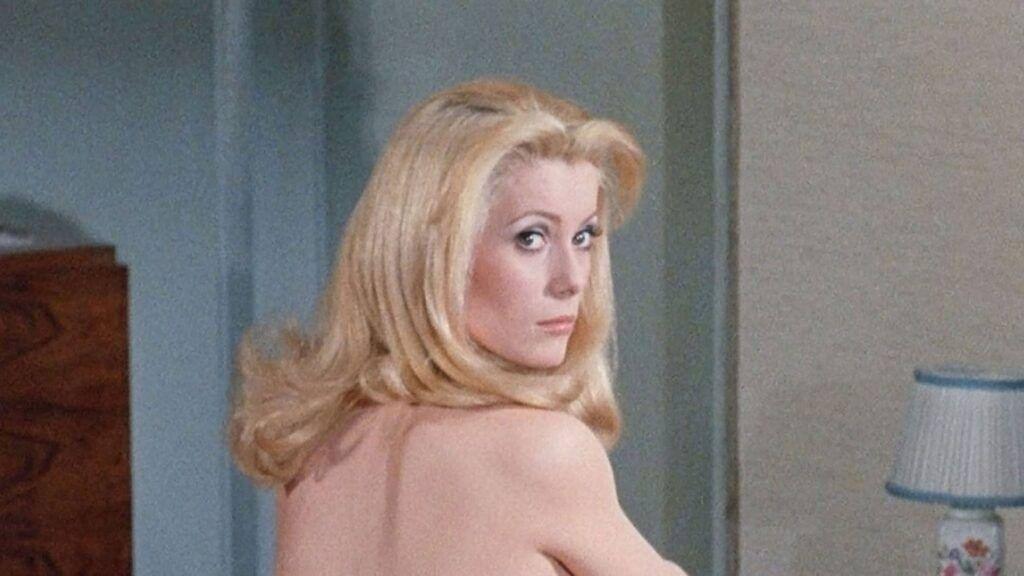 Atriz Catherine Deneuve no filme La Belle De Jour