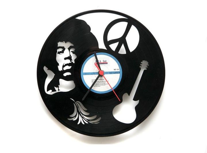 Relógio feito com disco de vinil