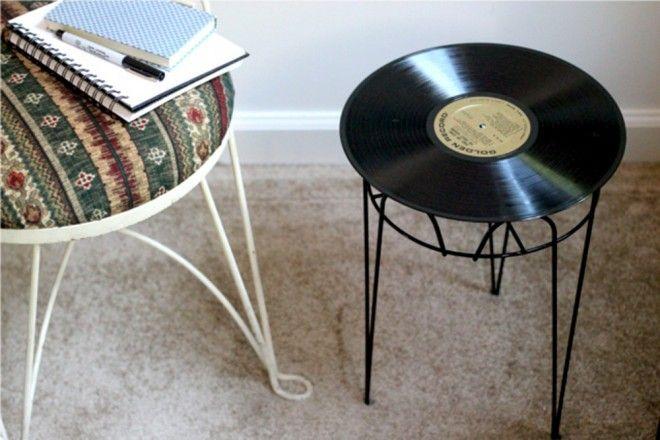 Mesa com disco de vinil