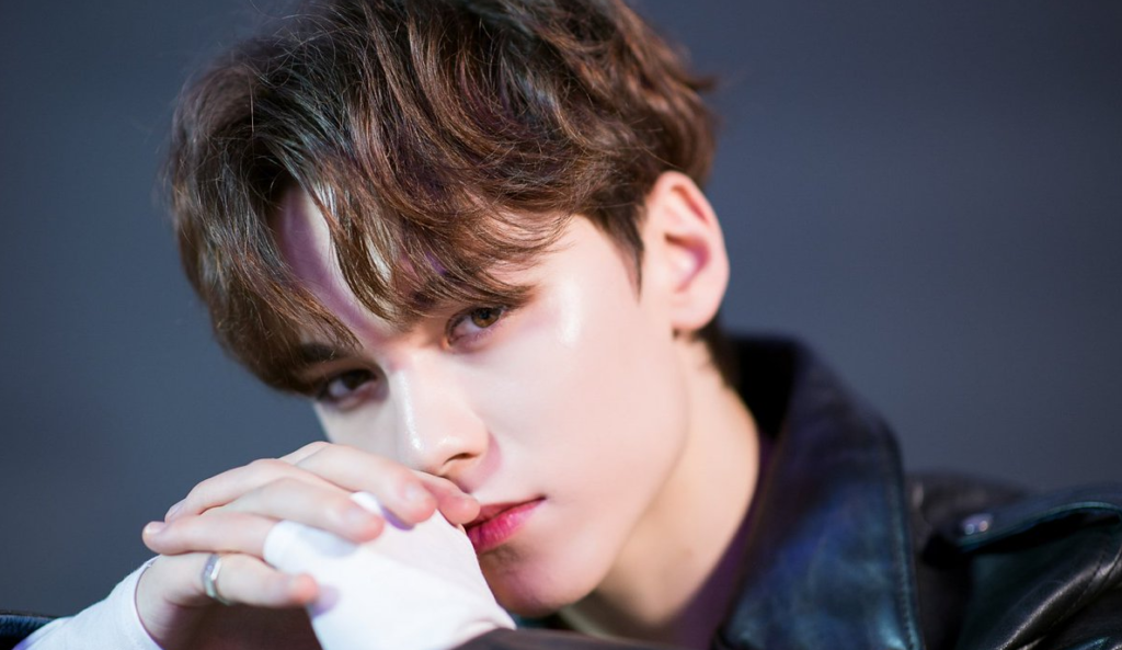 Vernon, integrante do grupo de k-pop SEVENTEEN
