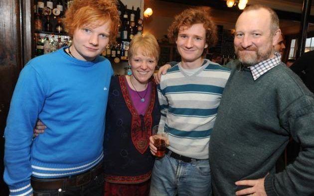 Ed Sheeran e família