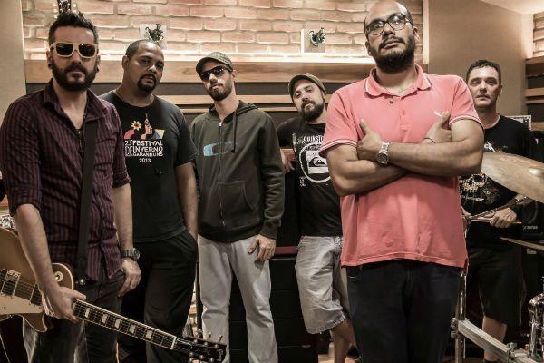banda está pronta pra sacudir a poeira do rock brasileiro