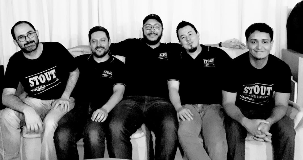 Stout é uma banda de pop rock natural de Sorocaba