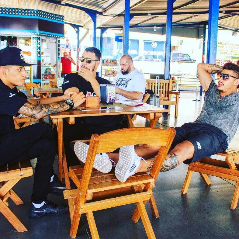 Eduardo Bastos relaxa com Hungria e o DJ Igor Igor Alecsandre