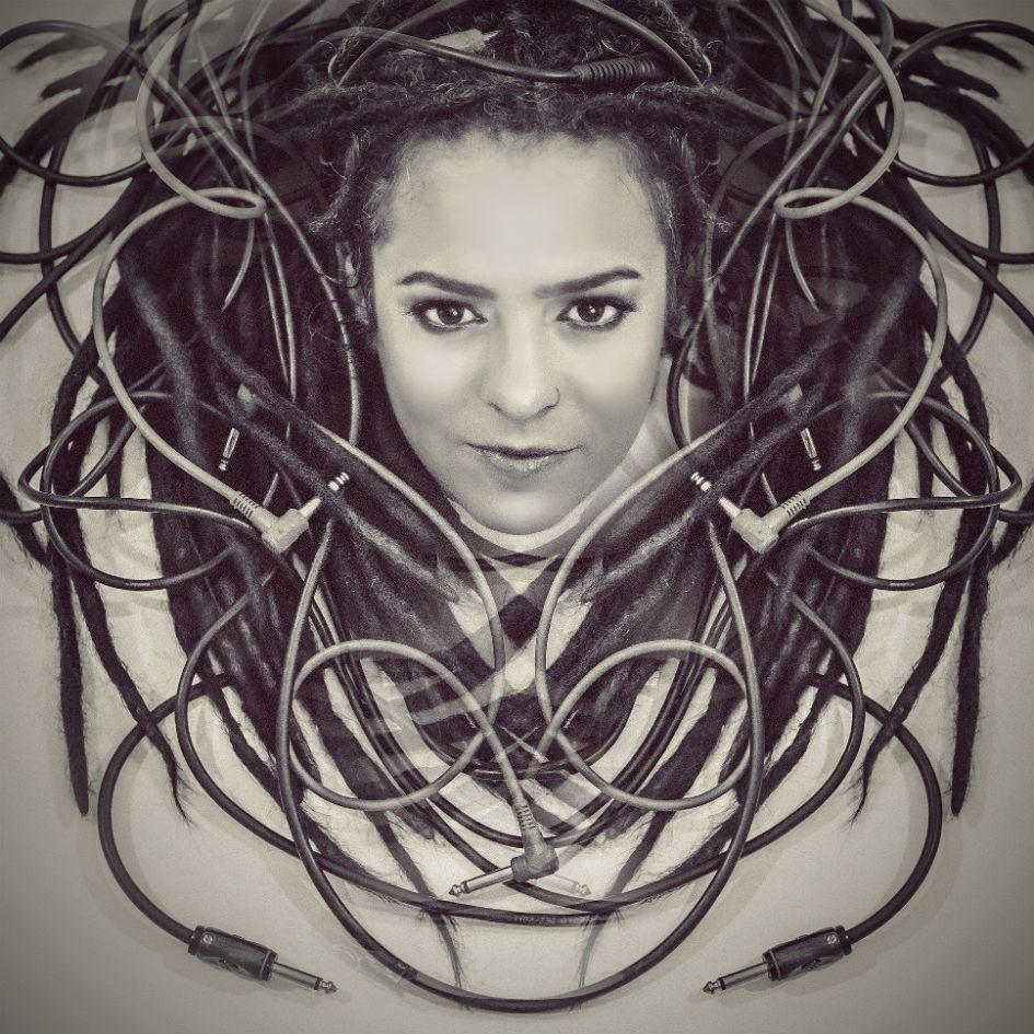 Karola Nunes é sopro de criatividade na nova MPB